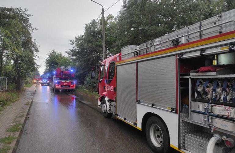 Samochody pożarnicze podczas akcji